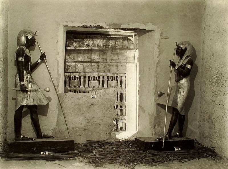 Tutankhamun_tomb_photographs_4_292
